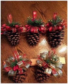 Easy DIY Christmas Ornaments That Look Store Bought - Twins .- Easy DIY Christmas Ornaments That Look Store Bought – Twins Dish Easy DIY Christmas Ornaments That Look Store Bought – Twins Dish - Christmas Decor Diy Cheap, Christmas Ornament Crafts, Simple Christmas, Christmas Projects, Holiday Crafts, Christmas Diy, Christmas Wreaths, Handmade Christmas, Reindeer Christmas