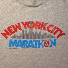Vintage New York City Marathon t-shirt Pinterest T Shirt, Nike Retro, City Marathon, Vintage Tee Shirts, Image T, Vintage New York, Cool Shirts, Vintage Outfits, Shirt Designs