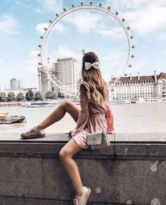 43 Casual Vacation Outfits for Spring Summer Travel Style - - London - Urlaub London Photography, Photography Poses, Travel Photography, London Outfit, London Pictures, London Photos, Sommer In London, Travel Pictures, Travel Photos