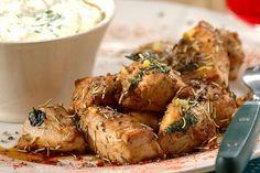 Μπουκιές κοτόπουλου κρασάτες και μυρωδάτες - Γρήγορες Συνταγές | γαστρονόμος online The Kitchen Food Network, Yams, Tandoori Chicken, Food Network Recipes, Chicken Wings, Poultry, Potato Salad, Recipies, Meat