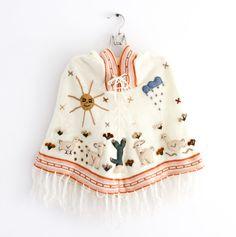 A must purchase Second hand poncho - Ukkonooa Little Girl Fashion, Toddler Fashion, Kids Fashion, Little Girl Closet, Little Girls, Baby Poncho, Stylish Kids, Kid Styles, Baby Sweaters