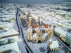 The Cathedral of St Elisabeth is a Gothic cathedral in Košice (Slovakia) or Kassa varos (Hungarian kingdom) My Beau, Gothic Cathedral, West Art, Classical Architecture, Location History, Paris Skyline, Cool Pictures, Nature Photography, Europe
