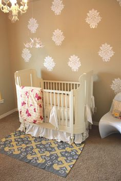 These #vintage #decals really add some glam to a neutral #nursery.  #tan #white