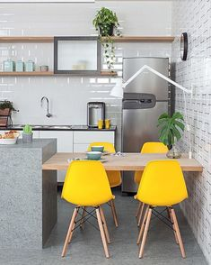 6 Simple and Crazy Tips Can Change Your Life: Cottage Kitchen Decor Ideas yellow kitchen decor aqua.Country Kitchen Decor Ideas rustic kitchen decor for counters. Decor, Kitchen Interior, Home Decor Kitchen, Kitchen Design Small, Interior, Kitchen Decor, Home Decor, House Interior, Home Kitchens