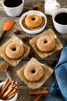 Christmas Dinner Menu, Vegan Christmas, Halloween Finger Foods, Halloween Treats, Halloween 2020, Halloween Breakfast, Vegan Candies, Pumpkin Waffles, Sugar Pumpkin