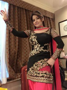 Miss Pooja In Salwar Suit