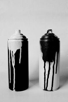 Graffiti cans. Black n white. Black And White Aesthetic, Black N White, Black And White Graffiti, Black Canary, Black Spot, Pink White, Color Black, Graffiti Artwork, Graffiti Room