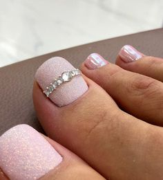 These pedicure designs for the feet will give your feet an amazing look when you try one of them out. The nail arts are really stunning and stylish because of& The post Best pedicure designs for your feet appeared first on DarlingNaija. Pretty Toe Nails, Cute Toe Nails, Cute Toes, Pretty Toes, Gorgeous Nails, Toe Nail Color, Toe Nail Art, Nail Colors, Pedicure Designs