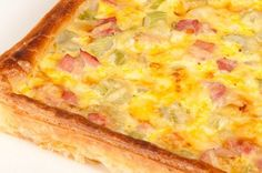 Celery, cheese & ham pie #NewZealand #vegetable #recipes Ham Pie, Hawaiian Pizza, Vegetable Recipes, Celery, Food And Drink, Cooking Recipes, Autumn, Cheese, Meals
