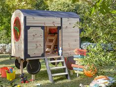Fini la petite maisonnette en bois, Les cabanes d'aujourd'hui revisitent leurs lignes, se dressent sur roues ou pilotis, jouent les extensions et s'habillent...