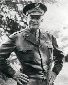 """On December Dwight D. Eisenhower received a special gift: his General Star. Earlier that year, he had given the U. Army a stylish present: the """"Ike jacket."""" Eisenhower considered the Army's World War II military uniform to be. American Presidents, Us Presidents, American History, American Soldiers, Dwight Eisenhower, La Haye, Supreme, United States Army, D Day"""