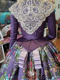 ♡ 18th Century Dress, 18th Century Clothing, 18th Century Fashion, Old Dresses, Vintage Dresses, Vintage Outfits, Vintage Fashion, Antique Clothing, Historical Clothing