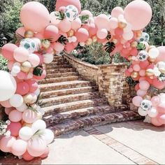 Let's flamingle! 🌴 BY: flamingo flamingoparty flamingopartyideas fun balloons balloonarch balloonstyling tropicaltheme inspo partyinspiration summerpartyideas Luau Baby Showers, Tropical Bridal Showers, Flamingo Birthday, Flamingo Party, Balloon Arch, Balloon Garland, Balloon Display, Balloon Pump, Tropical Party Decorations