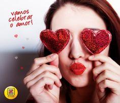 Dia de celebrar o AMOR, baby! Aqui no Brasil comemoramos o Dia dos Namorados no dia 12 de junho, mas no resto do mundo o Dia Internacional do Amor é comemorado hoje, dia 14 de fevereiro.  Nos EUA, é o famoso Valetine's Day, ou dia de São Valentim, considerado um santo devoto ao amor. Lá fora a data possui um sentido mais amplo: as AMIZADES são valorizadas com trocas de presentes e mimos!  Na Inglaterra, as crianças até cantam e ganham doces e balas de frutas! (Que delíícia)