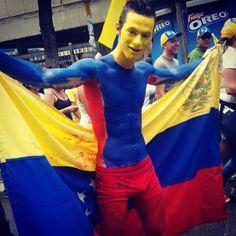 Personajes que uno se encuentra marchando #venezuela #caracas