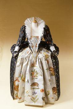 Elizabeth 1 court dress : Inspired by a 1599 portrait of Elizabeth ( by Isabelle de Borchgrave )