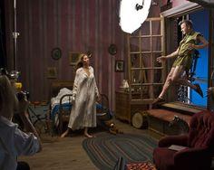 Gisele Bündchen como Wendy e o dançarino e ator Mikhail Baryshnikov como Peter Pan no ensaio fotográgico de Annie Leibovitz - Bastidores #fairytales