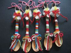 martenici - Google Търсене Baby Toys, Kids Toys, Baba Marta, Russian Folk, Folk Embroidery, Sewing Toys, Wedding Cards, Hand Sewing, Diy And Crafts