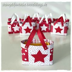 Instructions / Tutorial: small pouches for Schoki - Diy Gifts Ideas Origami Box With Lid, Origami Gift Box, Free Printable Coloring Pages, Coloring Pages For Kids, Diy And Crafts, Paper Crafts, Craft Packaging, Diy Gifts For Kids, Diy Presents