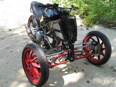 Front suspension - the older version of the TreMoto Monstrosity 620 tilting reverse trike suspension.