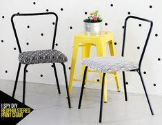 Este DIY para restaurar una silla de hierro  me hizo recordar las típicas sillas que había en la cocina de la abuela, de color gris-plata y...