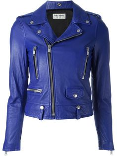 Browse designer leather jackets for women at Farfetch from ground-breaking labels. Find amazing women's leather jackets from luxury brands with fast AU Delivery Latest Outfits, Cool Outfits, Fashion Outfits, Cute Jackets, Jackets For Women, Designer Leather Jackets, Cropped Leather Jacket, Riders Jacket, Cotton Jacket
