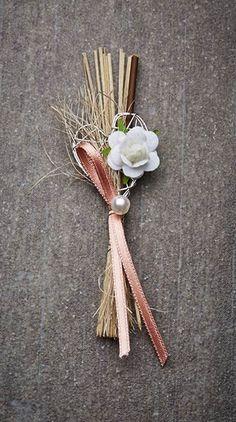 Hochzeitsanstecker Monika - Basteln & Schenken Diy Wedding Bouquet, Craft Wedding, Wedding 2017, Hair Accessories, Wedding Stuff, Graduation, Crafts, Decorations, Weddings