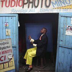 Francesco Giusti, Fidele, Member of the SAPE (Société des Ambianceurs et des Personnes Élégantes) [Society of Elegant People], Pointe Noire, Republic of the Congo, May 2009 - FotoFest Exhibitions 2011 - International Discoveries III