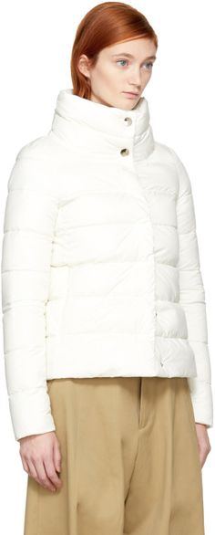 https://www.ssense.com/en-de/women/product/herno/white-down-high-collar-puffer-jacket/2315267?clickref=1100l4JsiaJ2&utm_source=PH_1011l2075&utm_medium=affiliate&utm_content=1100l24757&utm_term=https%3A%2F%2Fwww.lyst.com%2F&utm_campaign=