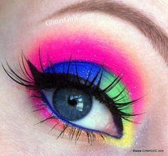 neon eye make up 1980s Makeup And Hair, 1980 Makeup, Disco Makeup, Glam Makeup, Eyeshadow Makeup, Makeup Inspo, Beauty Makeup, 80s Eye Makeup, 80s Hair