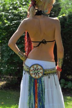 Belly dance belt with beaded medallion