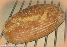 Suroviny vložíme do domácí pekárny a zapneme program TĚSTO. Po vykynutí vytvoříme bochánek, který... Old Recipes, Bread Recipes, How To Make Bread, Food To Make, Program, Bread Baking, Healthy, Top, Kitchens