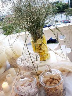ΣΤΟΛΙΣΜΟΣ ΓΑΜΟΥ - ΒΑΠΤΙΣΗΣ :: Στολισμός Γάμου Θεσσαλονίκη και γύρω Νομούς :: ΣΤΟΛΙΣΜΟΣ ΜΕ ΛΕΜΟΝΙΑ -ΤΡΑΠΕΖΙ ΜΠΟΜΠΟΝΙΕΡΩΝ ΚΩΔ.: PS-124 Wedding Decorations, Table Decorations, Greek Wedding, Love And Marriage, Wedding Ceremony, Projects To Try, Table Settings, Journal, Weddings