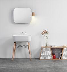 salle de bains design, salle de bains minimaliste, salle de bains noire et blanche, salle de bains épurée, Lovely Market