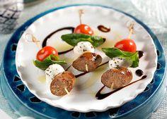 Brochettes de saucisses italiennes caprese                                                                                                                                                                                 Plus