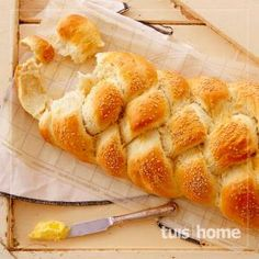 Basiese brooddeeg Bread Recipes, Cooking Recipes, Drink Recipes, South African Recipes, Bread Baking, Hot Dog Buns, Artisan, Food And Drink, Healthy Eating