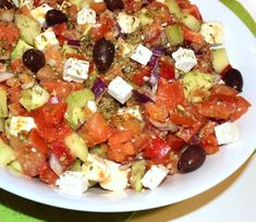 #reteta #salata greceasca cu avocado Caprese Salad, Salad Recipes, Avocado, Salads, Food, Recipes For Salads, Meals, Salad, Chopped Salads