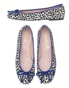 prettyballerinas Ugly Shoes, Sock Shoes, Shoe Boots, Oxfords, Ballerina Pumps, Ballet Flats, Dress Up Shoes, Pretty Ballerinas, Shoes World