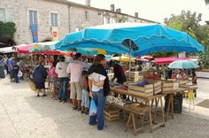 Monflanquin market Aquitaine, Villeneuve Sur Lot, Bazaars, Beaux Villages, France, French Connection, Sunny Days, Bucket, Paris