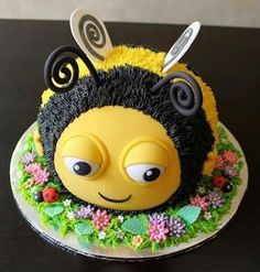 How To Make The Beehive BuzzBee: Disney Birthday Cake Tutorial sting . - backen - - Wie man den Bienenstock BuzzBee: Disney Geburtstagskuchen Tutorial How to Make the Beehive BuzzBee: Disney Birthday Cake Tutorial cake Bee Cakes, Fondant Cakes, Cupcake Cakes, Beautiful Cakes, Amazing Cakes, Bumble Bee Cake, Novelty Cakes, Cake Tutorial, Fancy Cakes
