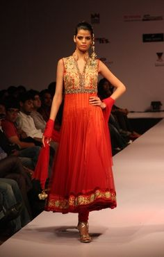 Parul Grover Bangalore Fashion Week 2012 | Lehengas & Sarees | Bigindianwedding