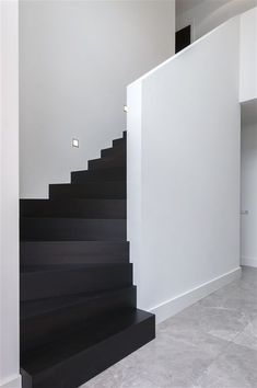 Ideas for wooden stairs architecture Wooden Staircases, Wooden Stairs, Stairs Architecture, Interior Architecture, Black And White Stairs, Black White, Interior Modern, Interior Design, Stair Renovation