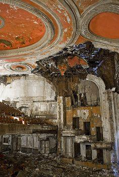 Mexicana Theatre