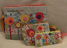 https://flic.kr/p/9SSqec | Muita flor, cor e amor! | Conjunto para notebook, com case, bolsa porta cabos e estojo para lápis, canetas, pendrive e outros... com muita cor e amor! Vocês podem conferir os detalhes no Elo7