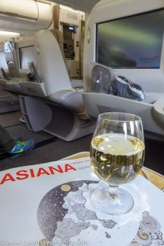 Discover the Business Class travel experience on Asiana Airlines.
