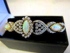 Fabulous 18K Australian Opal & Diamond Bracelet WOW