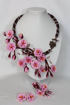 Hey, j'ai trouvé ce super article sur Etsy, chez https://www.etsy.com/fr/listing/229553152/jewelry-set-sakura-sakura-necklace