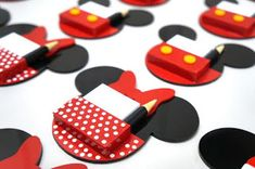25 Bonitas ideas de decoración para Fiesta de Mickey Mouse Fiesta Mickey Mouse, Baby Mickey Mouse, Mickey Mouse Birthday, Engagement Party Gifts, Scrapbooking, Ideas, Mickey Party, Party Stuff, Goodies