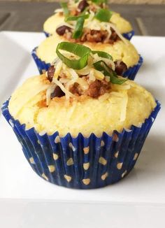 Combine chili and cornbread for a great adult snack or toddler meal! These savory Chili Cornbread Muffins contain a few scoops of chilli in a cut-out in the center! Try it! Chili And Cornbread, Cornbread Muffins, Savory Muffins, Easy Toddler Meals, Kids Meals, Toddler Food, Best Dinner Recipes, Baby Food Recipes, Muffin Recipes