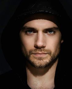 Handsome as Hell Henry Cavill Beautiful Men Faces, Most Beautiful Man, Gorgeous Men, Beautiful People, Male Eyes, Male Face, Fangirl, Spanish Men, Love Henry